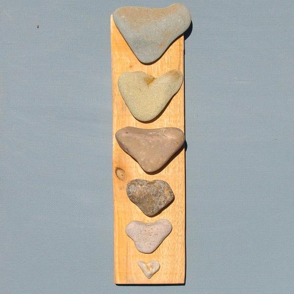 JPW beach art 6 hearts on wood