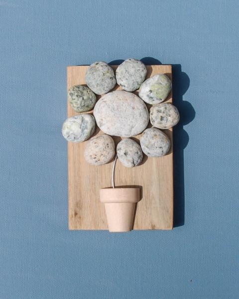 JPW beach art stone flower on wood